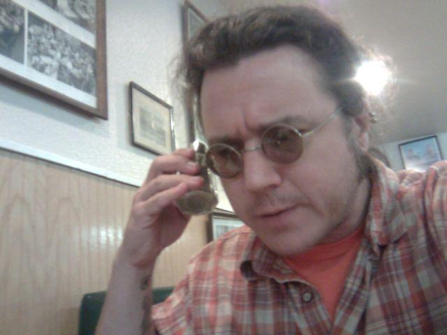 munch-phone3