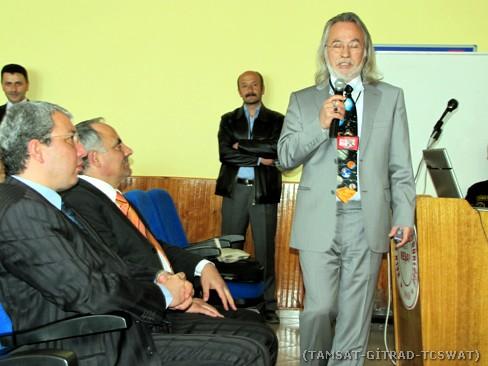 Soldan sağa: İlçe kaymakamı Sayın Dr. Polat KARA, İlçe Milli Eğitim Müdürü İsmail BABUR, Birol ÇÖMEAZ (geride ayakta) ve Sayın DERMAN