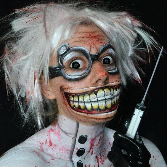 Galen tandläkare, halloween maskerad.