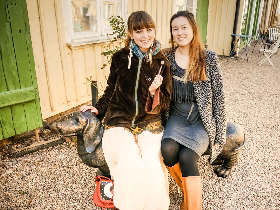 Tandsköterska Johanna Ene och tandsköterska Hanna Lopez i Alingsås.