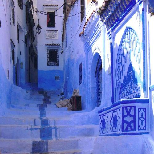 explore the blue city of Chefchaouen