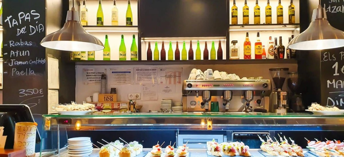 Best 6 Tapas Bars in Barcelona – Self Guided Tour