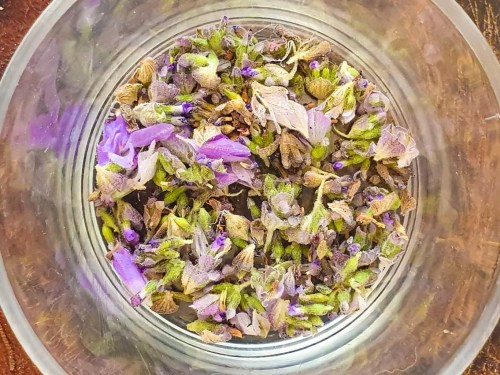 Lavender-Mint-Lemonade-recipe-lavender-leaves