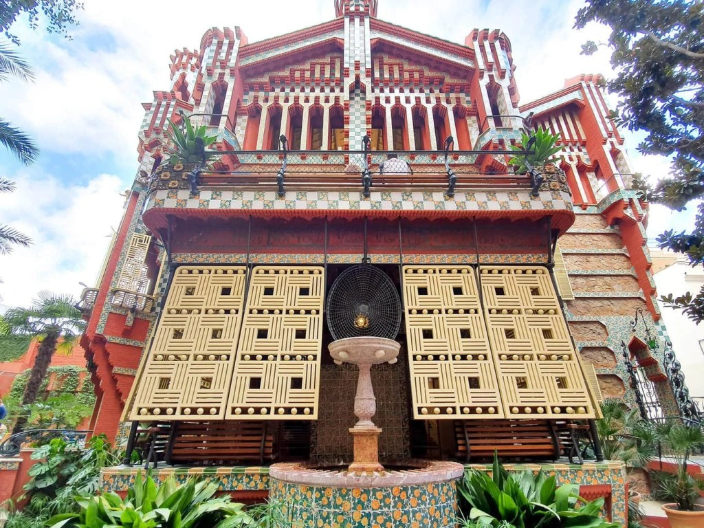 Casa Vicens, Barcelona – Gaudi's First Masterpiece - Review - full size view from the street