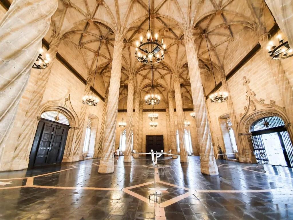 2 days in Valencia (Spain) - full guide - La Lonja de la Seda - interior