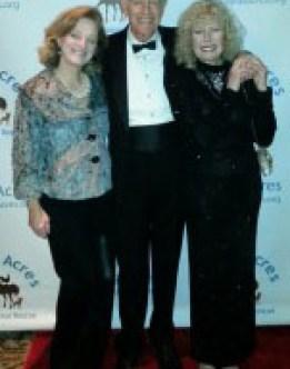 Gala_TD-Sheila-with-Mike-Farrell-and-Loretta-Swit-225x300