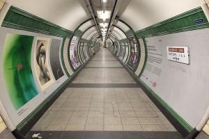 Seksistowskie reklamy zakazane w londyńskim metrze - Sadiq Khan