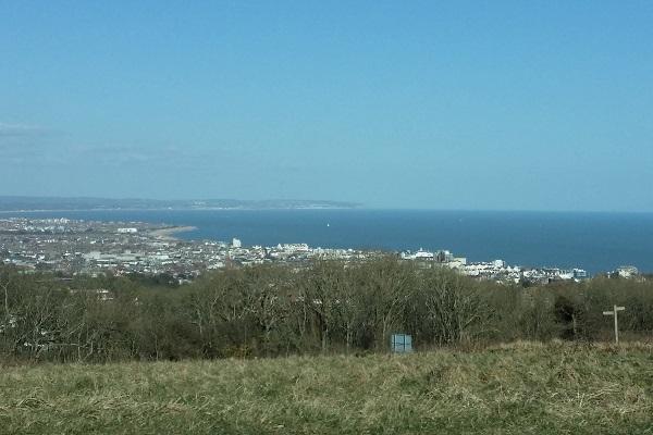 Widok na Eastbourne ze wzgorz Seven Sisters