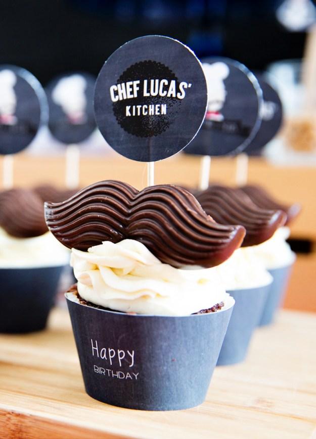 mustache-cupcake