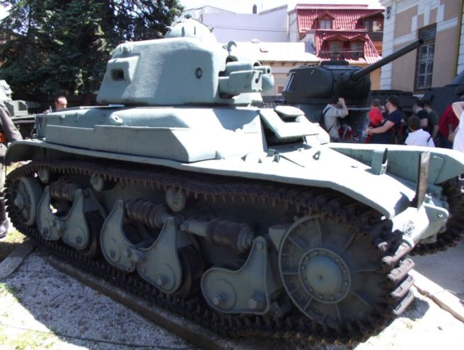 The last remaining Carul de Luptă R35 at the National Military Museum at Bucharest received the upgrades as mentioned above. The roadwheels are metal trimmed and the tracks seem different. - Photograph source: Stan Lucian