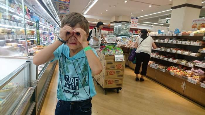 Faire les courses au supermarché quand on est une famille (peu nombreuse)
