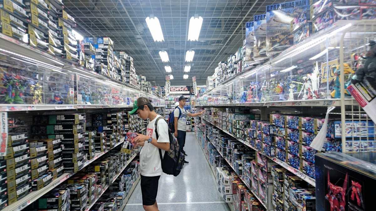 Tsunami de jouets à Yodobashi Akiba