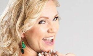 Kaija Lustila julkaisi menevän tanssihitin – kuuntele