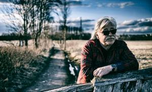 Matti Esko joutui peruuttamaan konserttinsa yleisökadon takia – uusi joululaulu tuo iloa