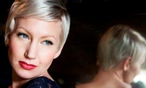 Tangokuningatar yllätti uudenvuodenjuhlissa: meni naimisiin Ylen toimittajan kanssa