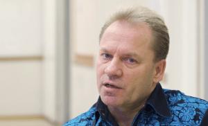 """Jukka Lampela viihtyy kotona: """"Lasten ehdoilla mennään"""" – katso video"""