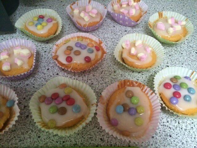 afscheidstraktatie voor het kinderdagverblijf cakejes