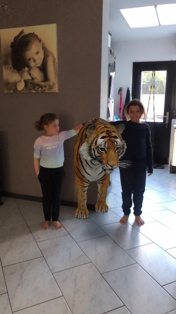 Zo gingen de meiden ook met een tijger op de foto