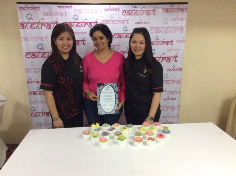 Take up certified cake decorating workshops at Cake Kraft India