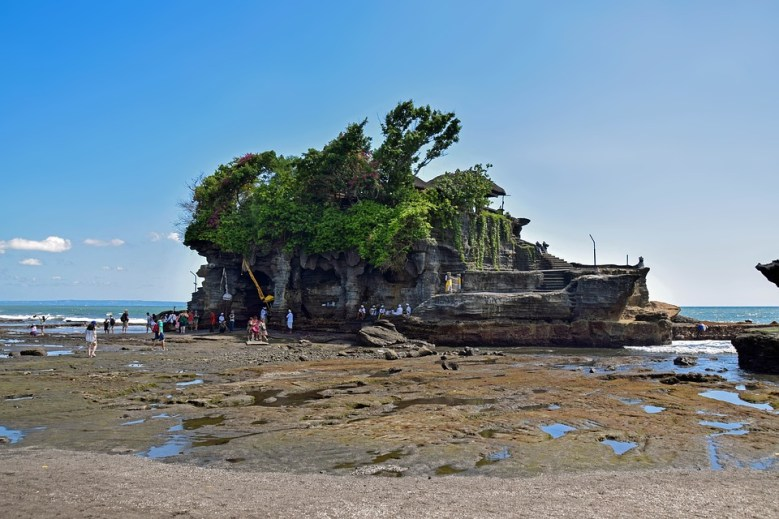 The mesmerising Tanah Lot temple
