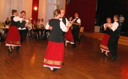 Paartanz beim Sommerball in Wandlitz