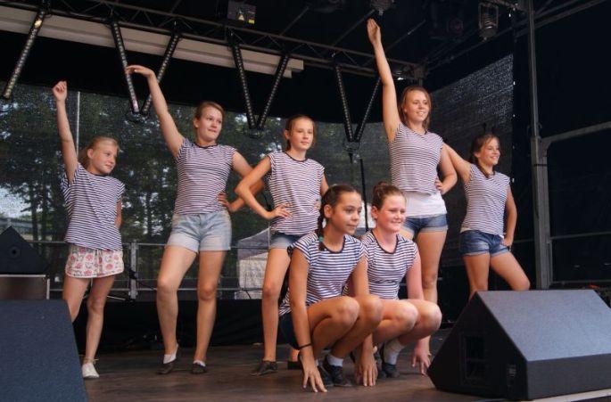 tanzgruppe-herbstfesthohenneuendorf11