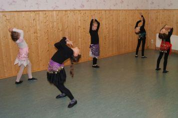 Bunte Strahlen - Shakira Tanz