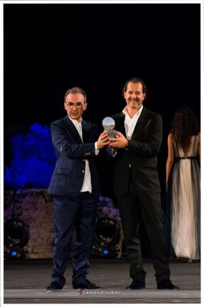 Il fotografo Stefano Guindani premiato da Antonio Gallo