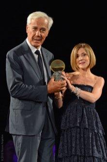 Il brand Capucci premiato da Rossella Pranzo (Family Banker Mediolanum)