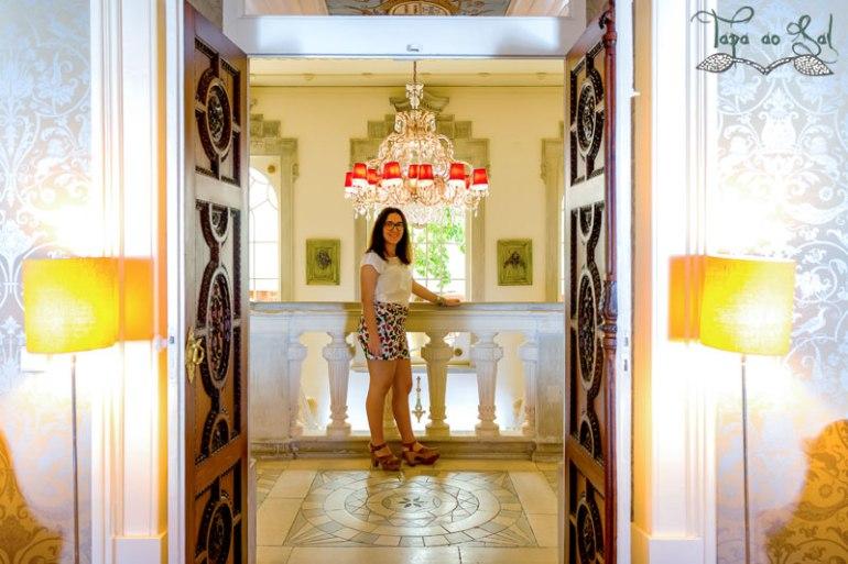 Escadas de acesso às salas do Palácio Hotel