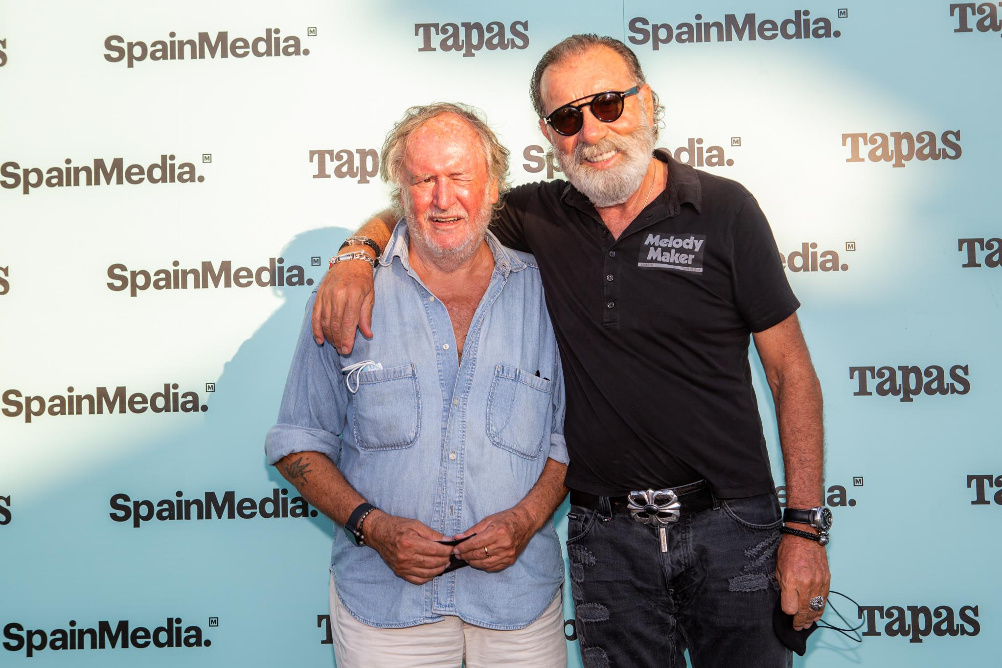 Philipp Plaineresa y Pino Sagliocco.