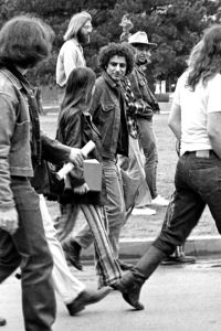 512px-Abbie_Hoffman_visiting_the_University_of_Oklahoma_circa_1969