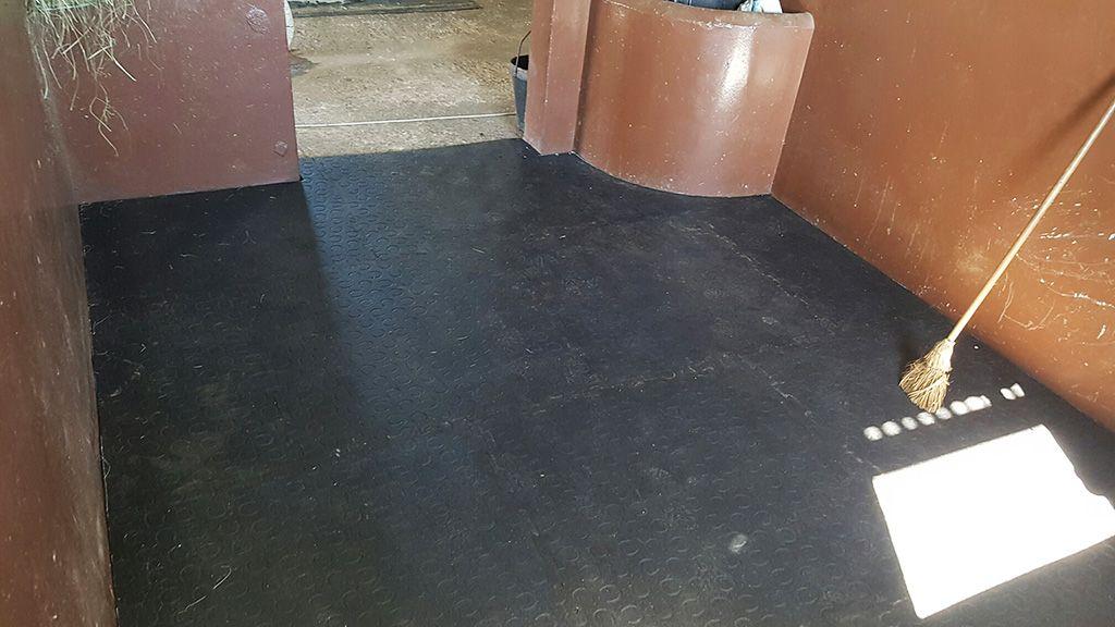 tapis caoutchouc pour box