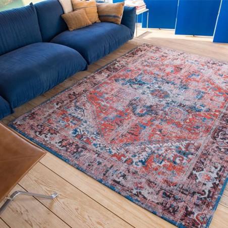 tapis de salon new vintage antiquarian heriz rouge par louis de poortere