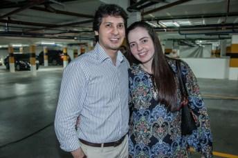 Tiago Duarte e Debora Barros