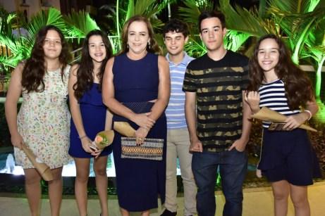 Duda, Maria Laura, Socorro Parente, Gustavo Cesar, Matheus e Maria Clara Torquato