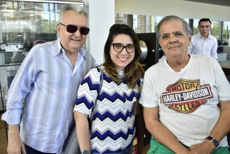 Marcondes e Juliana Viane e Maninho Brigido