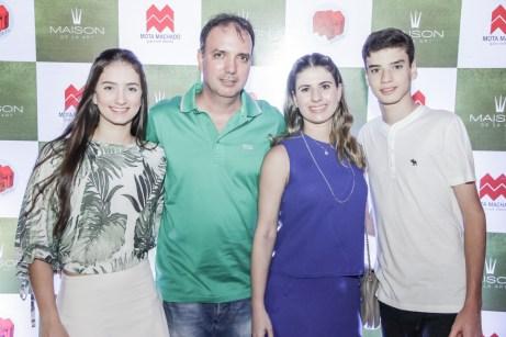 Rafaela, Ricardo, Poliana e Joao Ricardo Fontenele (2)