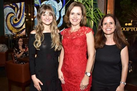 Stefani Falcão, Aleteia Lopes e Isabel Utz
