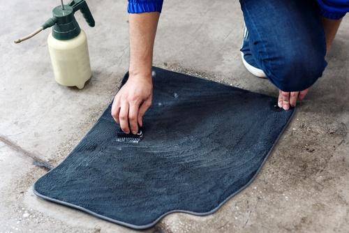 nettoyer vos tapis de voiture est plus