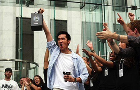 taiwan supply chain sources say Apple will push up the iPhone 5 schedule to release in time for back to school 2012.