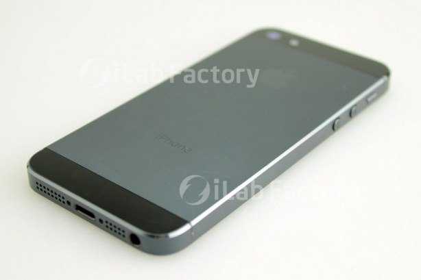 iPhone 5 Photo Showing Two-Tone Design
