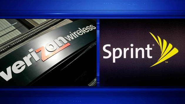 Verizon Wireless and Sprint issuing refunds