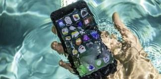 iPhone 7 is water-resistant