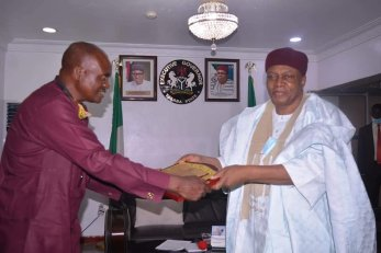 Governor Ishaku presented with an Award of Honor by the leadership of GUTOSA at Government House, Jalingo.