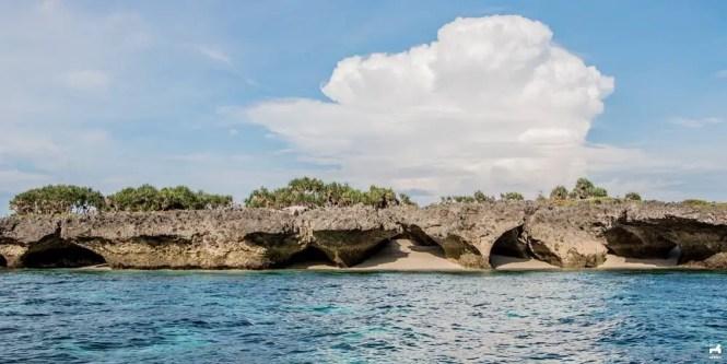Cave formation in Pulong Dapa island, Masbate
