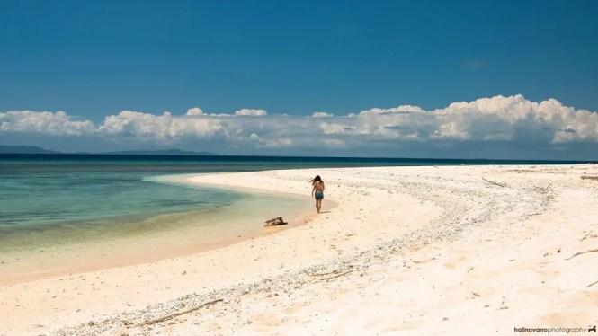 Camiaran Island's pink beach