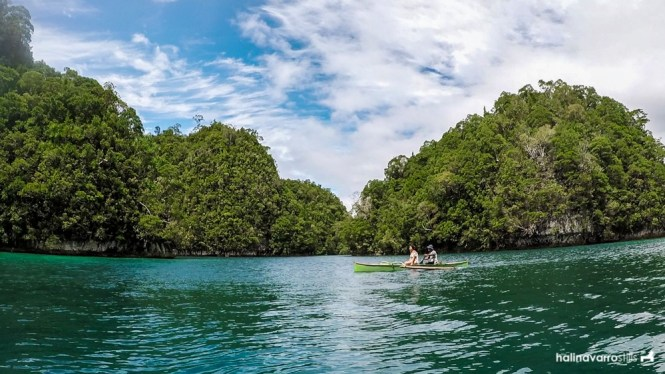 Small paddle boat to jellyfish lagoon, Sohoton Cove