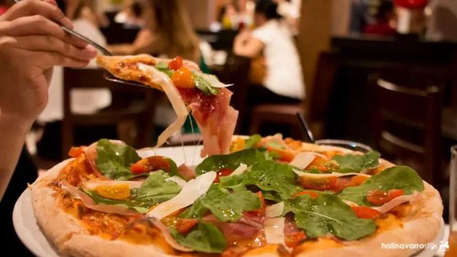 Francesco's Kitchen pizza