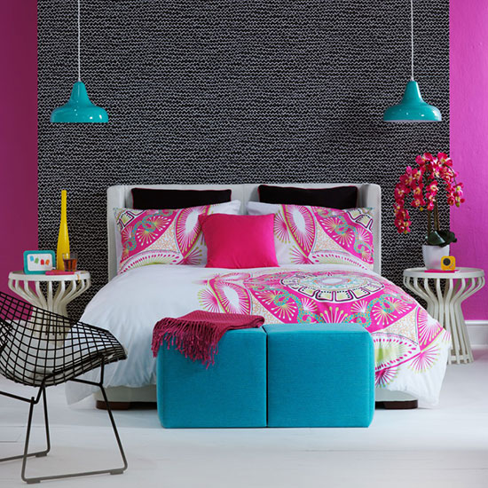 Neon-bedroom-with-blue-accents